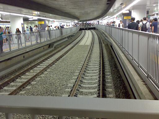 副都心線渋谷駅ホーム